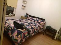 Room available near Parkhead, all bills included