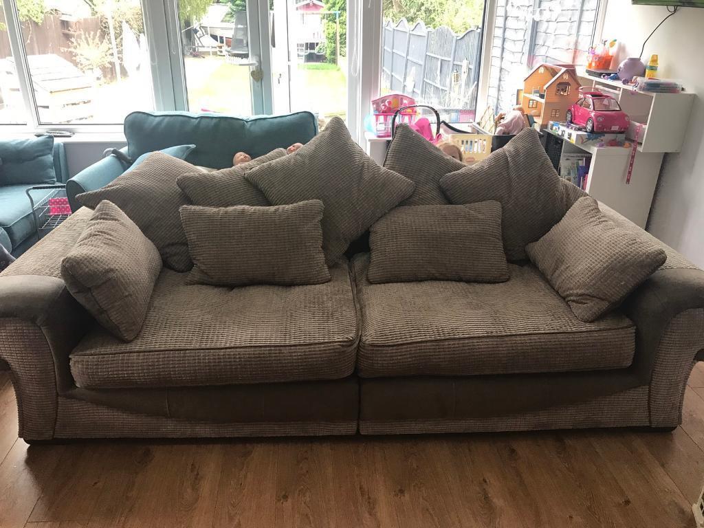super comfy sofa 50 bargain worth 900 in anlaby east yorkshire gumtree. Black Bedroom Furniture Sets. Home Design Ideas