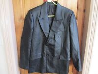 LADIES FAUX LEATHER DRESS JACKET SIZE 12, 2 EXTERNAL & 3 INTERNAL POCKETS. EXCELLENT COND. LIKE NEW.