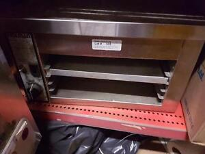 Holman Final Touch Finishing Oven - Commercial Cheese Melter - iFoodEquipment.ca