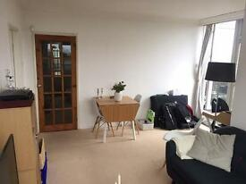 ONE BEDROOM ROOFTOP APARTMENT WITH PRIVATE ROOF TERRACE