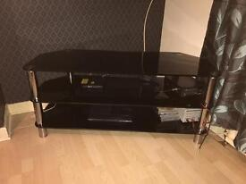 Black glass to unit (collect knightswood)