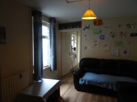 £1650 PCM 5 Bedroom House No Bond Required on Kepoch Street, Roath, Cardiff, CF24 3JS