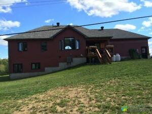$419,900 - Country home for sale in Lanark