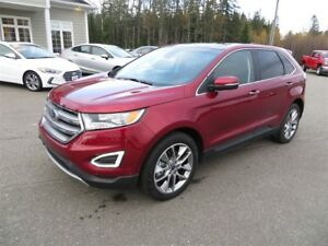 2017 Ford Edge Titanium AWD, NAVI, PANORAMIC SUNROOF!