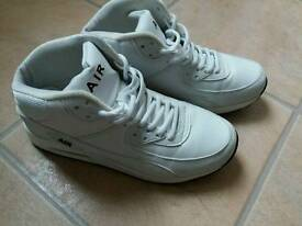 Air Trainers, Size 7