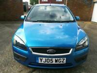 2005 FORD FOCUS ZETEC CLIMATE 1.6LITRE FINISHED IN METALLIC ROYAL BLUE