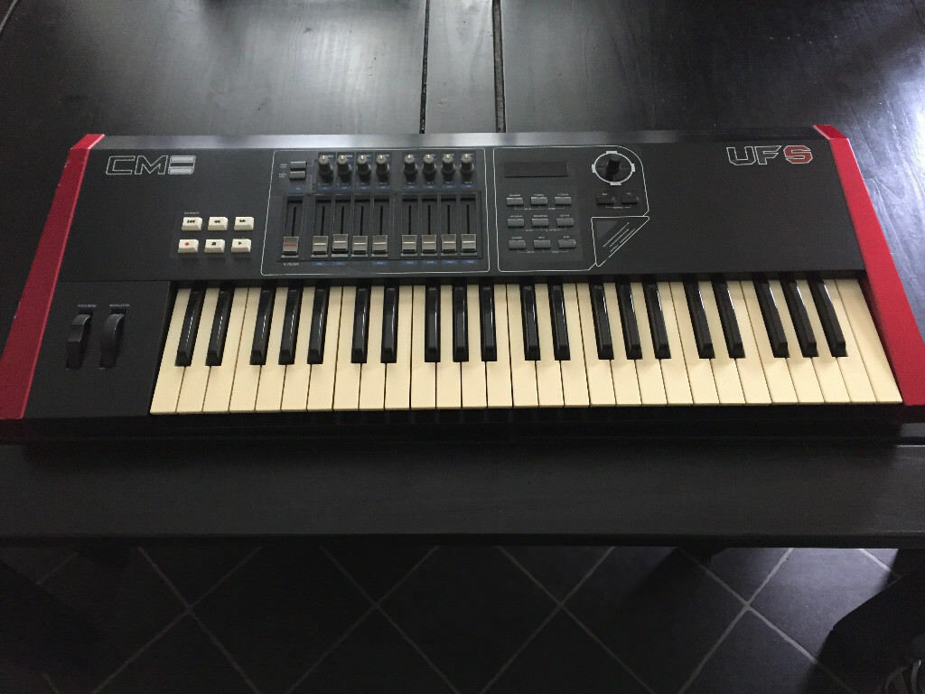 cme uf5 49 note midi controller keyboard incuding gig bag in kirkcaldy fife gumtree. Black Bedroom Furniture Sets. Home Design Ideas