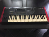CME UF5 - 49 note midi controller keyboard incuding gig bag