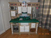 STEP2 lifestyle dream play kitchen very good clean condition