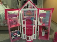 Barbie California Dream House with Accessories