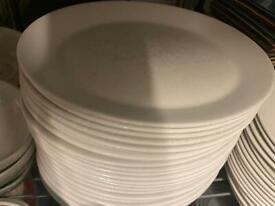 "11"" oval plate £1 each (12)"