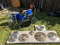 4pc Drum Kit with Accessories (Hardware, Cymbals, Cowbell, Books, Sticks...)