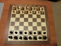 A 'Classic Staunton Ebonised' Chess set