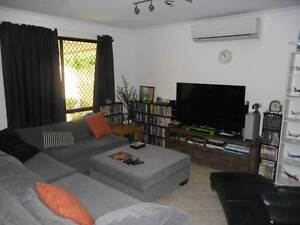 2 rooms to rent in f/f a/c secured rear spacious unit in Innaloo Innaloo Stirling Area Preview