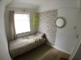 SINGLE ROOM TO SHARE IN WEMBLEY