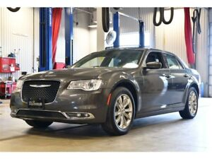 2017 Chrysler 300 TOURING * AWD *  TOIT PANO * APPLE CARPLAY *