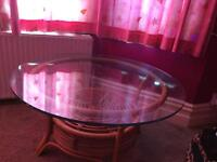 Round shape glass coffe table