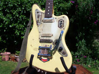 Fender Jaguar Relic electric guitar, Mexican, Bigsby style trem, locking tuners