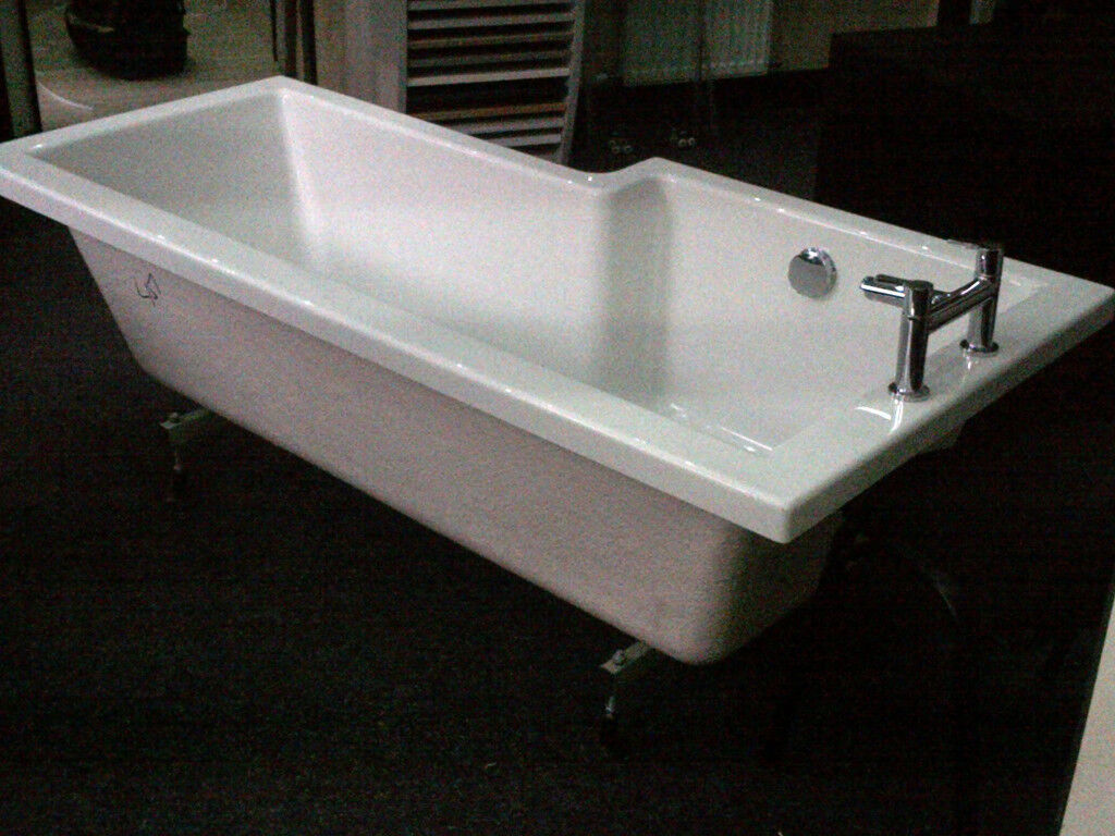 L shape 1700 shower bath with taps, left hand, new