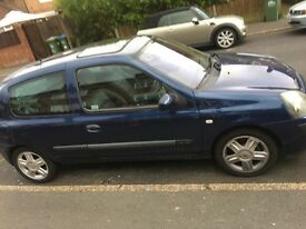 Renault Clio. Decent runner, great first car.
