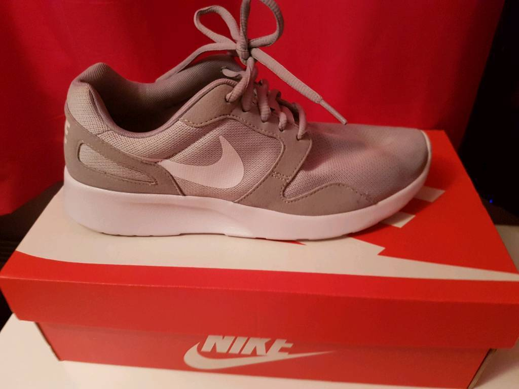 Ladies Nike trainers size 6