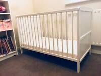 Newborn cot to toddler bed