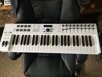 Arturia Keylab Essential 49 / DAW Controller / MIDI Keyboard