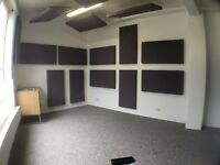 SPACIOUS & BRIGHT MUSIC STUDIO / PRODUCTION ROOM / MEDIA EDITING SUITE in NE London, Zone 2 tube