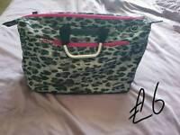 Lightweight hand luggage bag