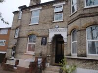 2 Bedroom Flat avilable to rent in South Croydon (RC3)- DSS and Universal Credit applicants welcome