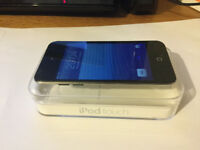Apple Ipod Touch 4th generation + box + docking station