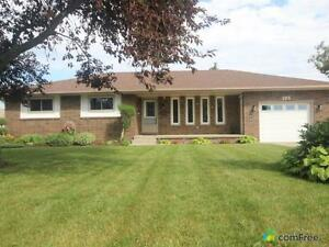 $339,900 - Bungalow for sale in Essex