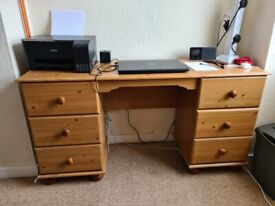 Lovely pine office/computer desk with 6 drawers