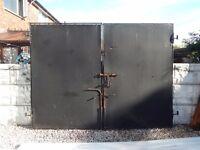 wrought iron gates / garden gates / driveway gates / metal gates / steel gates / security gates