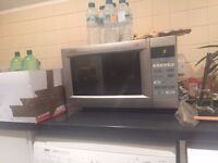 Excellent Belling 900w Microwave Silver £15