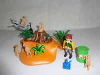 Playmobil meerkat family play set - 100% Complete - Would make a lovely present - £10 ONO
