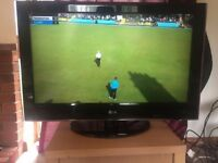 LG 32 inch LCD FULL 1080p HD TV ★ With Stand and Remote ★ Great condition ★