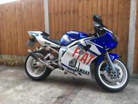 Yamaha r6 Rossi rep 2002 only 14,000 miles