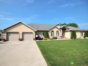 $679,000 - Bungalow for sale in Leamington