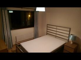 2 double rooms available for rent