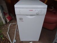 DISH WASHER BOSCH ( NOT FULL SIZE)