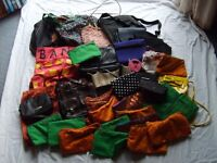 Very large bundle of lady's bags