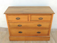 Chunky chest of drawers Antique (Delivery)