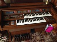 Yamaha Electone FE-70 Electronic Organ