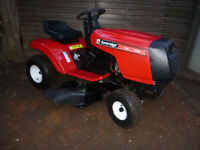 Ride on Lawn Mower / Garden Tractor in great condition
