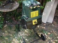 Back & Decker shredder mulches chipper