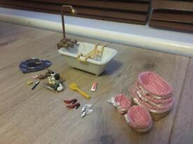 Dolls house bathe plus accessories