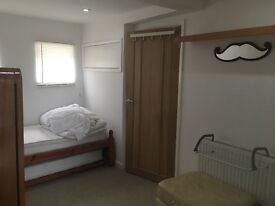 Lovely bright spacious room in shared family house
