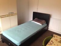 shared room in walthamstow - £75 per week - read the add before texting (TEXT ONLY)